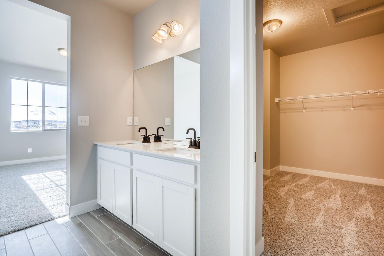 26786 East Bayaud Avenue large 016 028 2nd Floor Master Bathroom 1500×1000 72dpi 2